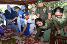 Petinggi TNI Ziarah ke Makam Bung Karno - JPNN.com