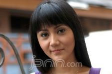 Aida Zaskia Maafkan Zainuddin M.Z. - JPNN.com