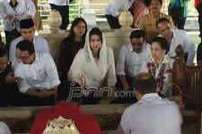 Beginilah Ketika Ahok di Makam Bung Karno - JPNN.com