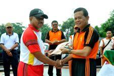 TNI Terima Bantuan 6 Unit Mobil Ambulans dari PT Asabri - JPNN.com
