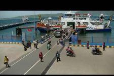 H+1 Libur Natal, 344 Ribu Orang dan 44 Ribu Mobil Pribadi Menuju Sumatera - JPNN.com