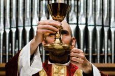 Sejumlah Pastor di Australia Terima Tunjangan Untuk Pekerja, Gereja Minta Bagian - JPNN.com