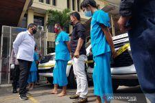 3 Anggota Komplotan Pencuri Mobil Mewah Ditembak - JPNN.com