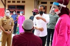 Didampingi Kepala BIN, Jokowi Masuk ke Gang-Gang di Cirebon - JPNN.com