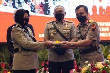 6 Polwan Berprestasi Dapat Penghargaan dari Irjen Luthfi - JPNN.com