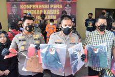 Berusaha Kabur, Pembunuh Kakak Beradik di Sidoarjo Dilumpuhkan dengan Tembakan - JPNN.com