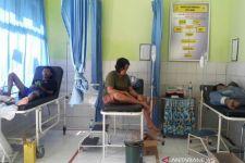 Puluhan Warga Keracunan Makanan, 2 Korban Meninggal, Polisi Periksa 13 Orang - JPNN.com