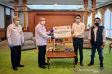 Sutarmidji Terima Bantuan Konsentrator Oksigen dari Perusahaan Perkebunan Kelapa Sawit - JPNN.com
