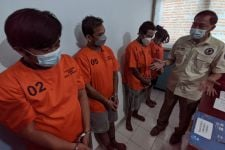 Polisi Ringkus Jaringan Pengedar Kecil di Surabaya, 4 Pelaku Ternyata Masih Saudara - JPNN.com