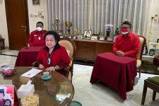 Megawati Terisak, Juga Mengisahkan Hasto yang Menghadapnya dengan Menangis - JPNN.com