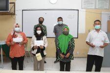 Koperasi Sekolah Kembalikan Uang Siswa MBR yang Terlanjur Beli Seragam - JPNN.com