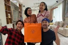 Raffi Ahmad dan Nagita Slavina Dapat Kado Spesial dari Rizky Billar dan Lesti Kejora - JPNN.com