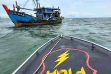 Kapal Ikan Malaysia Ditangkap Bakamla di Perairan Karimun - JPNN.com