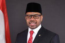 Filep Wamafma Desak Presiden Segera Bentuk Satgas Mafia Investasi - JPNN.com