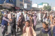 Taliban yang Sangar pun Didemo Gegara Penggusuran, Lihat Aksi Warga Afghanistan - JPNN.com