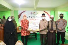 Pimpinan Ponpes An Nahdlah Senang DWP Kemenpora Gelar Vaksinasi untuk Negeri - JPNN.com