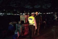 Lihat, Polisi Bubarkan Kerumunan di Jakarta Timur - JPNN.com