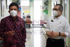 Kunjungi RSUD Ciawi, Dirut BPJS Kesehatan Cek Penerapan Antrean Online di Mobile JKN - JPNN.com