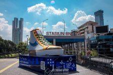 Dukung Pelaku Ekonomi Kreatif, DKI Bangun Tugu Sepatu Raksasa - JPNN.com