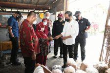 Ganjar dan Kepala BIN Kawal Jokowi Cek Vaksinasi di Perkampungan Nelayan - JPNN.com