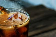 4 Bahaya Mengerikan Terlalu Sering Konsumsi Minuman Bersoda - JPNN.com