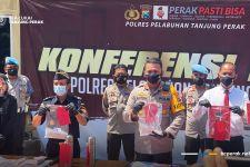 Paket Termos dari Malaysia Ini Diamankan Petugas, Isinya Ternyata Beginian - JPNN.com Jatim