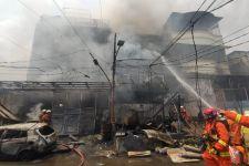 10 Korban Kebakaran Rumah di Jakut yang Sempat Terjebak Dapat Diselamatkan - JPNN.com