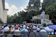 Massa FPI Mulai Bergerak, Arus Lalu Lintas Sekitar Istana Dialihkan - JPNN.com