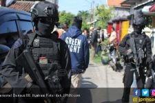 Densus 88 Tangkap Terduga Teroris di Pekayon - JPNN.com