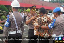 Seragam Brigadir Agus Wanda Dicopot Lalu Diganti Batik - JPNN.com