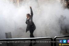 Ibu Kota Iran Mencekam, Demonstran Perempuan Berseru Turunkan Republik Islam - JPNN.com