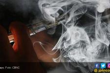 Menghirup Uap Vape pada Perokok Pasif, Bahayakah? - JPNN.com