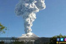 Gunung Merapi Meletus Setinggi 6000 Meter - JPNN.com