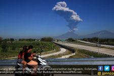 Awan Melintang di Atas Gunung Merapi, Harap Tenang - JPNN.com
