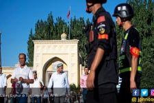 Tiongkok Diserang Fitnah soal Pembongkaran Masjid Muslim Uighur - JPNN.com