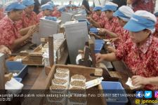 49 Pekerja Pabrik Rokok Positif Covid-19, Semuanya OTG - JPNN.com