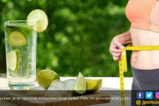 Kaya Vitamin C, Ini 5 Khasiat Minum Perasan Jeruk Nipis Hangat - JPNN.com