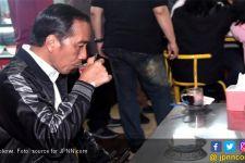 Jokowi dan Harapan Hidup dalam Selembar Kartu - JPNN.com