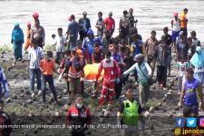 Mayat Perempuan Tanpa Busana Mengambang di Sungai - JPNN.com