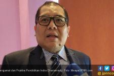 Indra Charismiadji Terus Menyoroti Kinerja Mendikbud Nadiem Makarim - JPNN.com