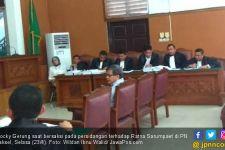 Rocky Gerung Mengaku Jengkel Dibohongi Ratna Sarumpaet - JPNN.com