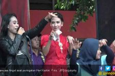 Cantiknya Vanessa Angel di Peringatan Hari Kartini di Rutan - JPNN.com