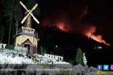 Gunung Agung Meletus, Semburkan Lava Pijar Sejauh 3 Km - JPNN.com