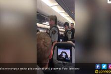 Empat Pria Mabuk di Pesawat Hingga Buka Paksa Rok Pramugari - JPNN.com