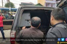 Pelaku Perampokan Mobil Vendor Pengisi Mesin ATM Berhasil Dibekuk - JPNN.com