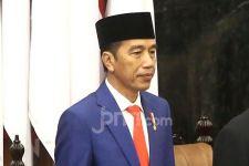 Presiden Jokowi Minta Nadiem Makarim Evaluasi Kurikulum Besar-besaran - JPNN.com