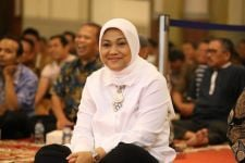 Ida Fauziyah Sampaikan Apresiasi untuk Petugas Posko THR Kemnaker - JPNN.com