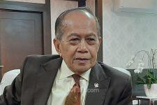 Syarief Hasan Minta Pemerintah Melarang WNA Masuk Indonesia - JPNN.com