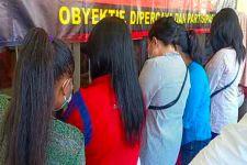 Delapan Perempuan Bahenol Coba Mengelabui Polisi, Hasilnya? - JPNN.com
