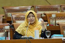 Mufidayati Sentil Pemerintah soal Masuknya 153 WN Tiongkok Saat Pelarangan WNA ke Indonesia - JPNN.com